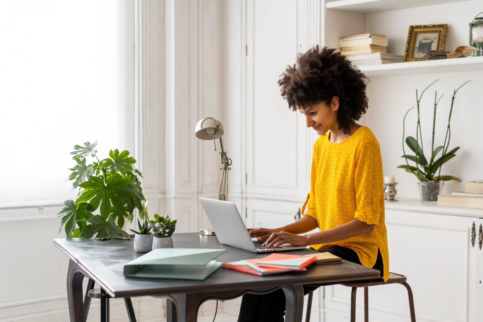 5 Tips For a Healthy and Productive Home Office
