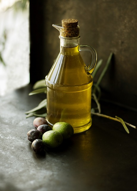 Olive oil for cooking and eating