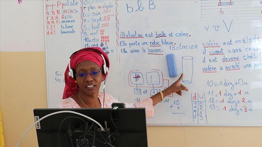 Senegal delays reopening schools